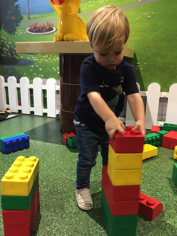 brincadeira-lego-legoland