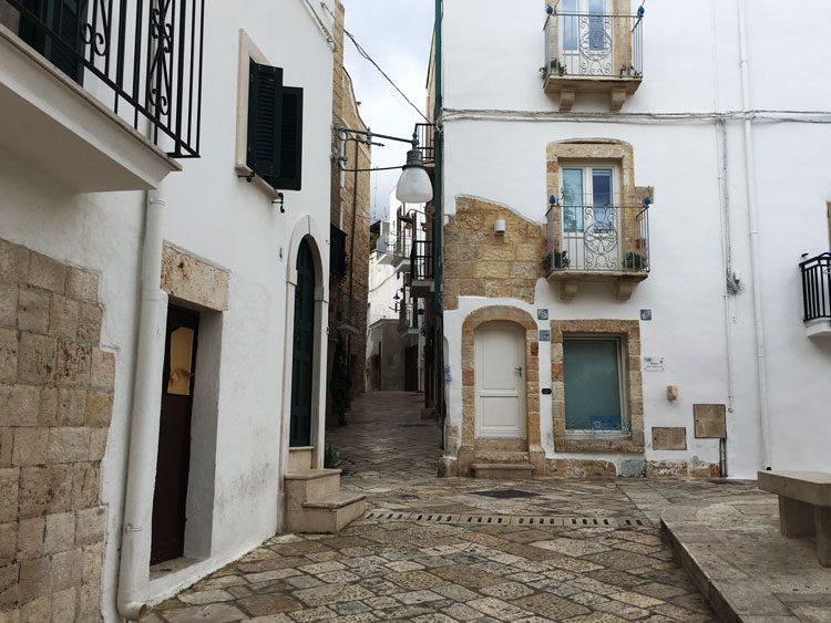 polignano-al-mare-ruas-centro-puglia