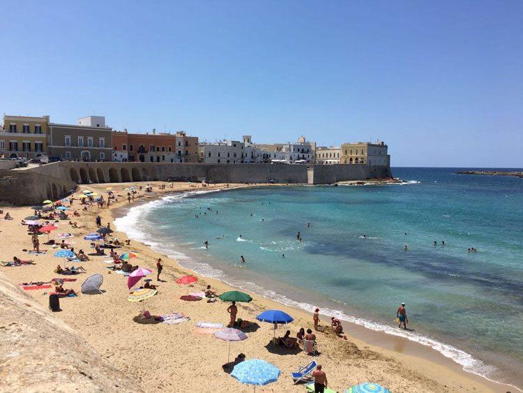 praia-gallipoli-puglia-italia