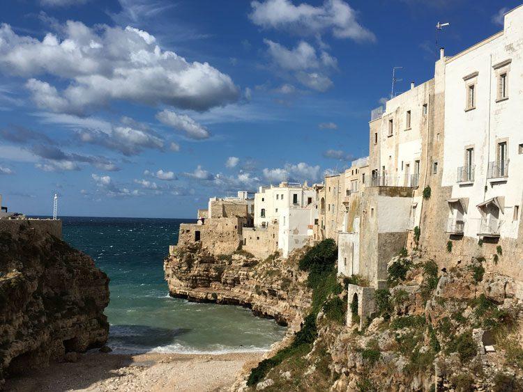 praia-polignano-al-mare-italia