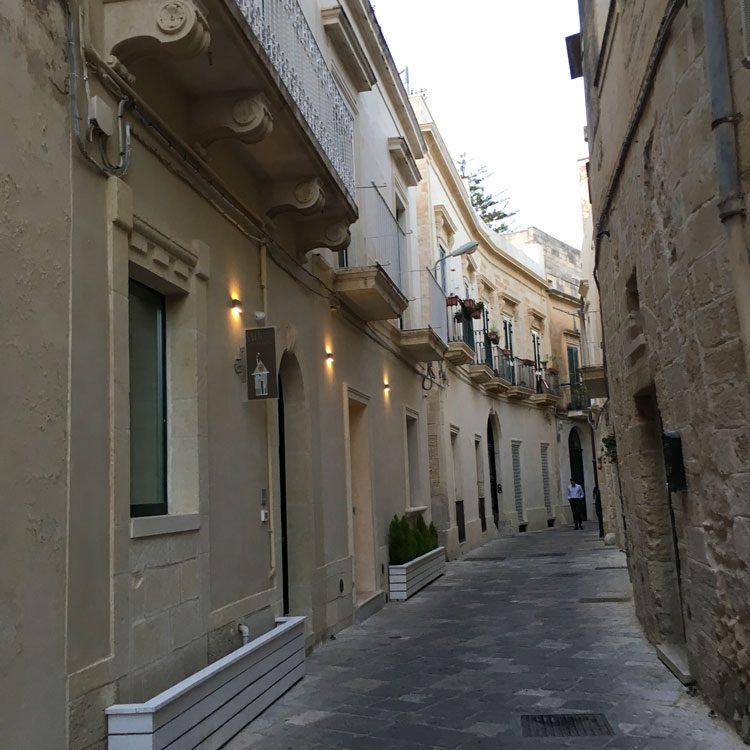 ruas-centro-lecce-puglia-italia