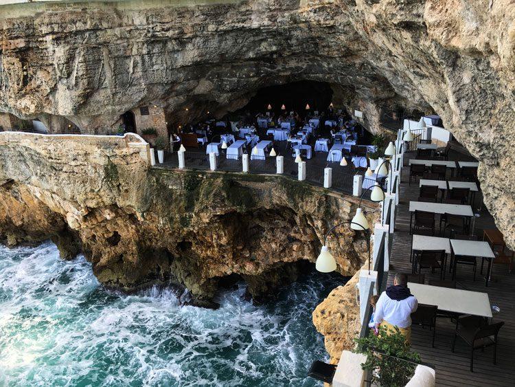 vista-grotta-palezesse-puglia