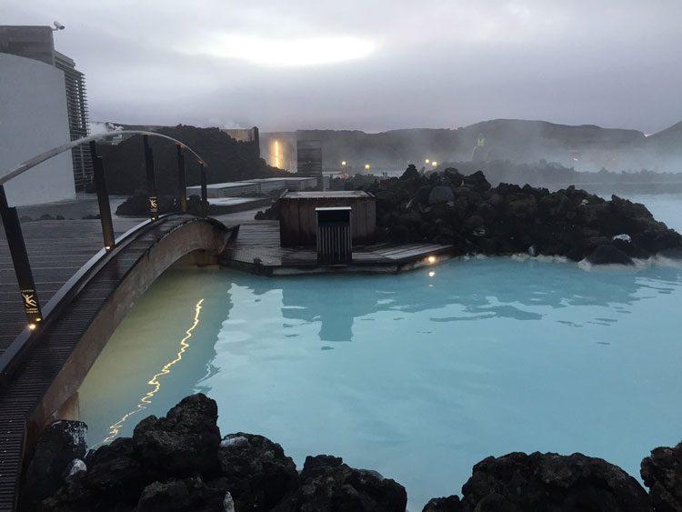 amanhecer-bluelagoon-islandia