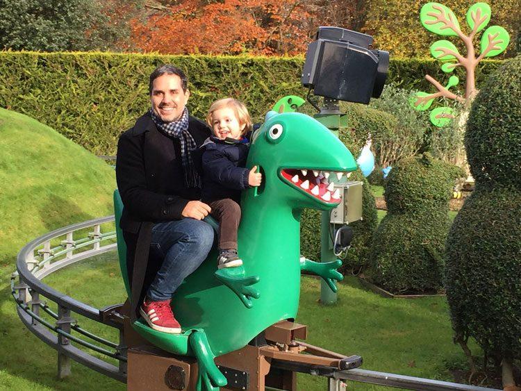 andando-no-dinossauro-do-george
