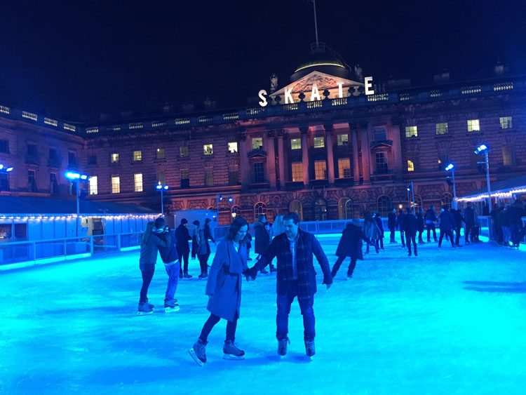 patinacao-no-gelo-somersethouse-londres