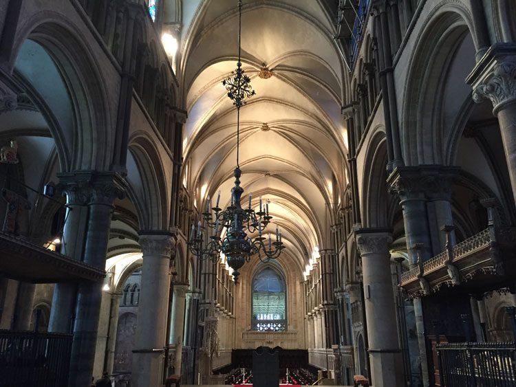 interior-catedral-canterbury