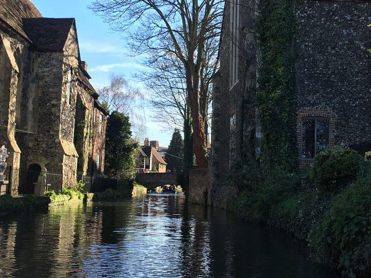 passeio-barco-canal-canterbury