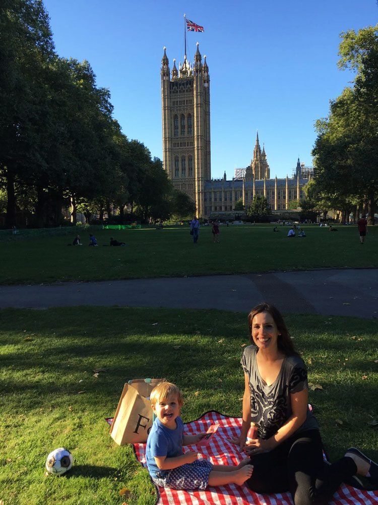 picnic-victoria-tower-gardens