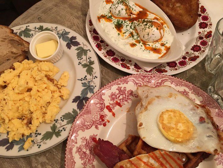 egg-break-brunch