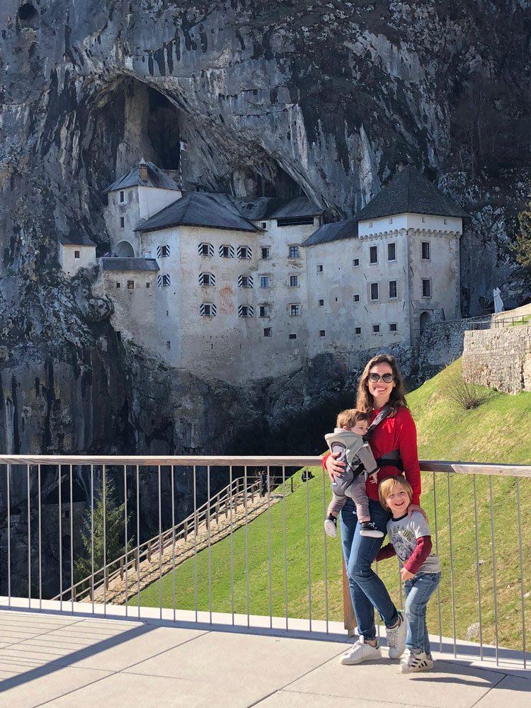 visita-castelo-predjama-eslovenia