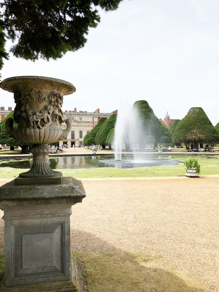 great-fountain-garden-hampton-court