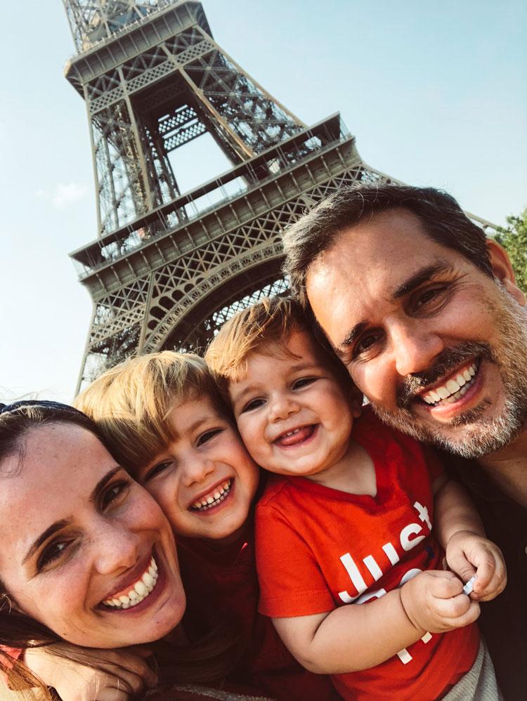 torre-eiffel-paris-familia