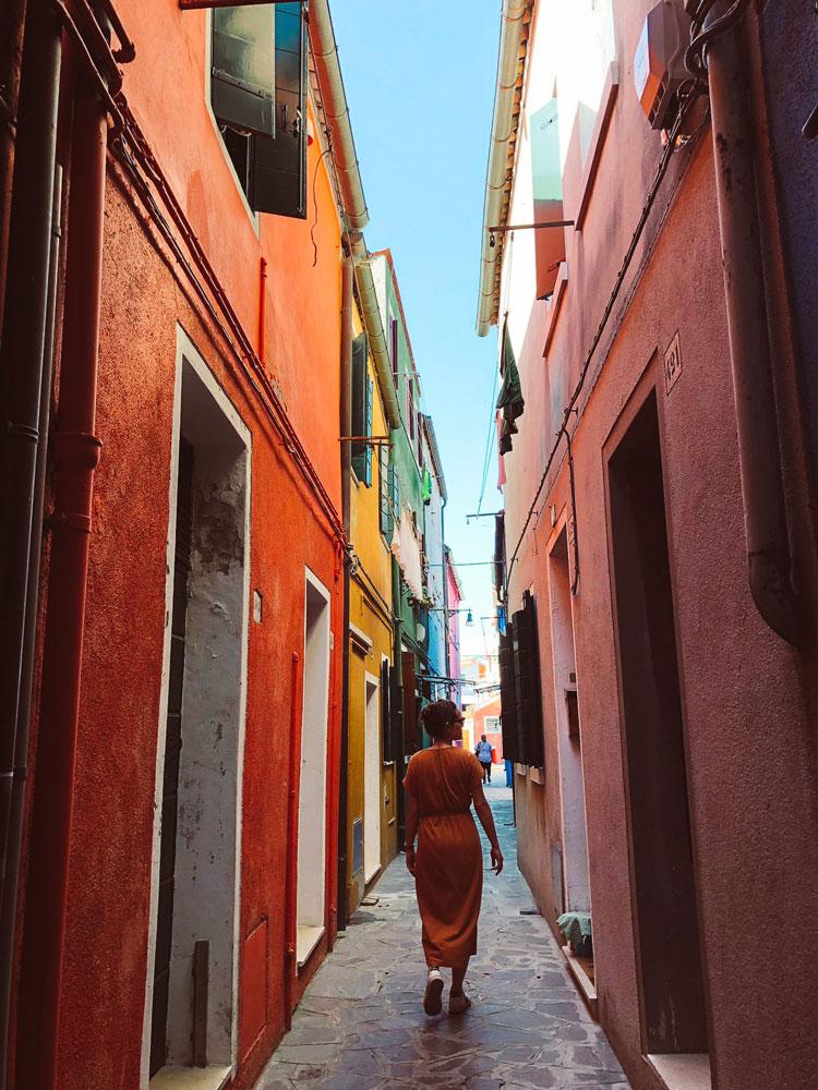 streets-burano-italy